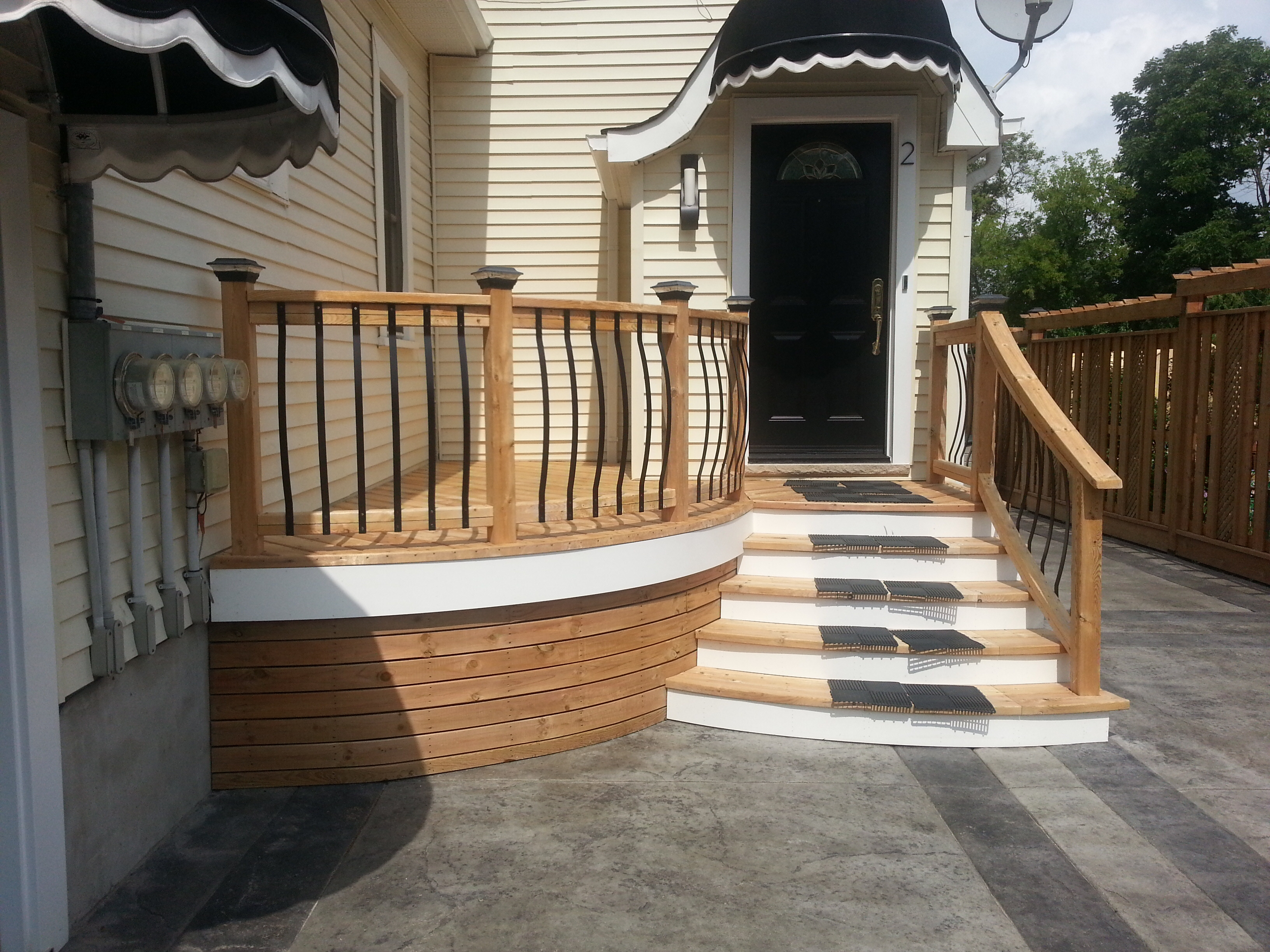 Best Deck Stain Color With Yellow Siding Photos